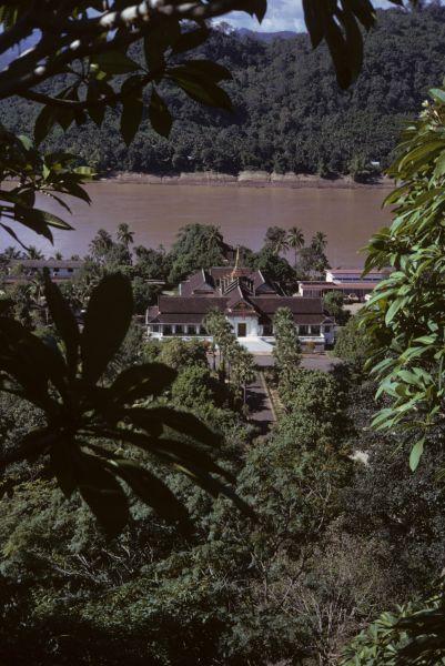Il palazzo del Re, lungo il Mekong
