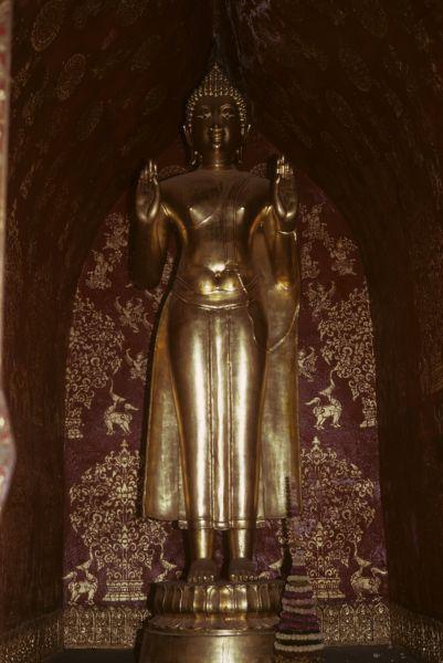 Alcune tra le numerose rappresentazioni di Budda