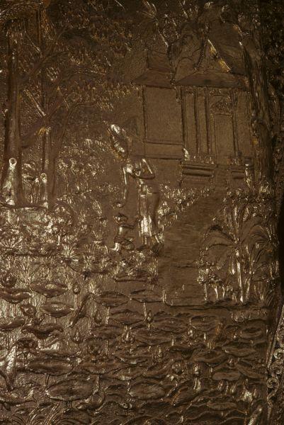 Bassorilievi all'entrata della pagoda reale, raffiguranti scene della vita e dell'insegnamento di Budda