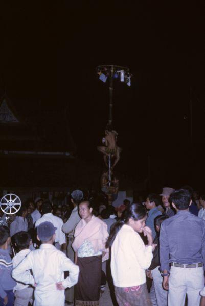 Una delle numerose feste religiose che si svolgono attorno alla pagoda